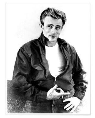 Ngôi sao điện ảnh Marlon Brando mặc áo phông cùng quần Jean
