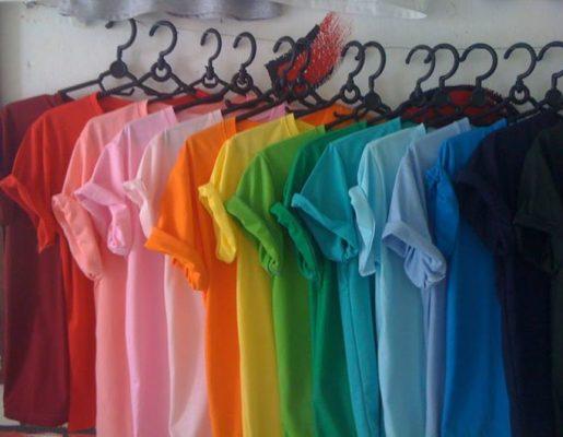 Áo phông giá rẻ được thiết kế rất đơn giản