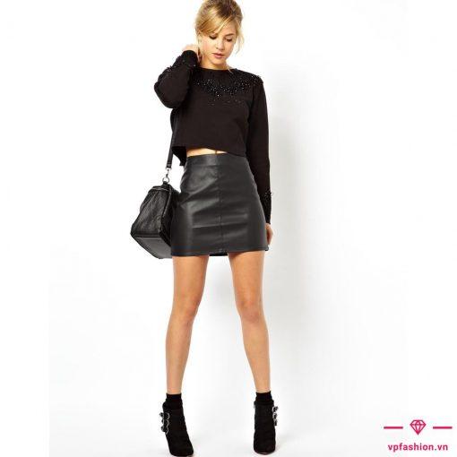 chân váy da kết hợp với áo dài tay